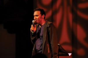 Faux pas · Aasif Mandvi of The Daily Show with Jon Stewart displayed his sharp wit and comedic skill during his show at Bovard Wednesday. - Brandon Hui | Daily Trojan