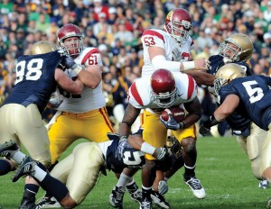 Clearing the way · Senior offensive lineman Kristofer O'Dowd (61) will replace Jeff Byers (53) at center against Arizona. Byers will move over to the left guard spot when the preseason All-American returns to action. - Brandon Hui | Daily Trojan