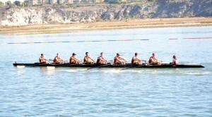 Comeback · The USC men's crew team overtook Orange Coast College at the Head of the Harbor regatta on Nov. 15 with 300 meters remaining. - Mannat Saini | Daily Trojan