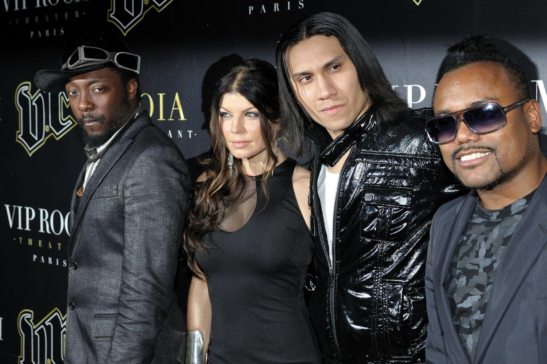 http://dailytrojan.com/wp-content/uploads/2011/02/Les_Black_Eyed_Peas_en_concert_au_VIP_Room_Paris_3.jpg