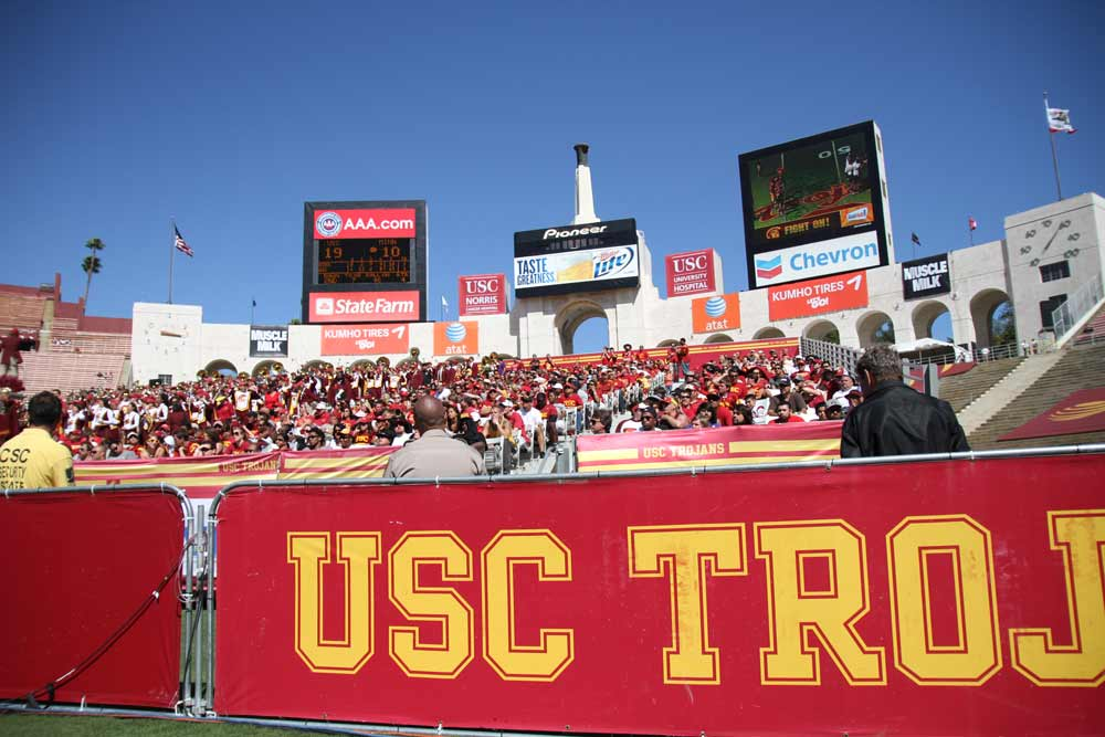 Usc Trustee Resigns From Stadium Board Daily Trojan