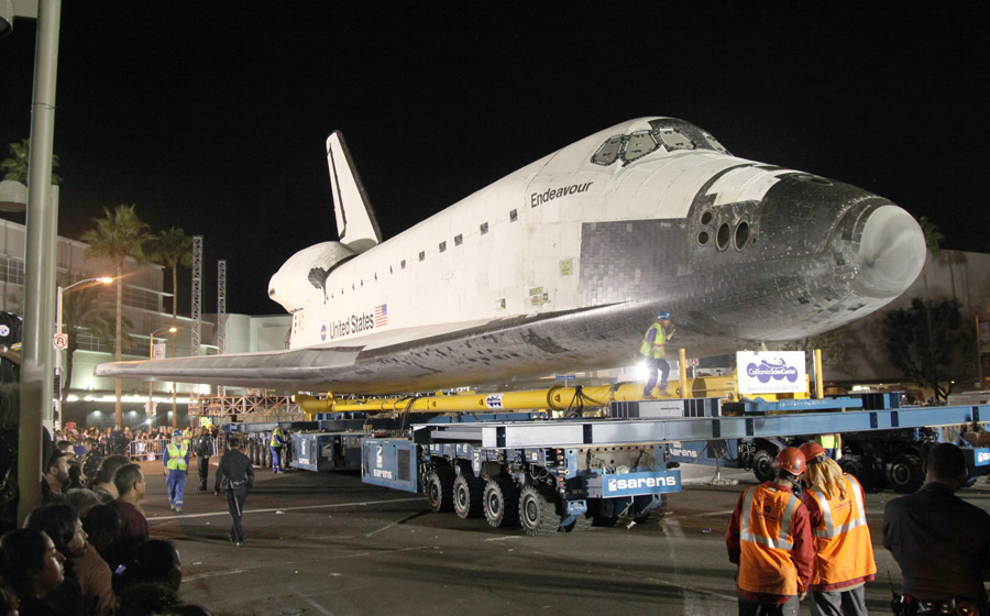 Endeavour travels to Science Center  Daily Trojan