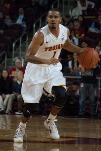 Turnover troubles· USC senior point guard Jio Fontan struggled in the team's recent victory over Oregon State, where he had ten turnovers. - Priyanka Patel | Daily Trojan
