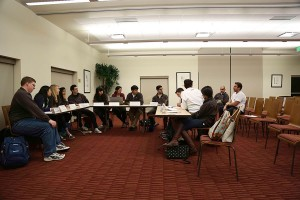 Deliberation · Undergraduate Student Government senators debate resolutions Tuesday night. The senate passed resolutions relating to transfer students' GPA's and a student representative on the tuition board. - Chris Pham | Daily Trojan