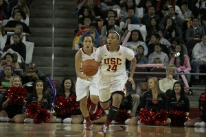 Pushing ahead · Sophomore guard Ariya Crook is averaging 16 points per contest since USC's 67-62 win on the road against the Oregon Beavers back on Jan. 6, 2013. The Women of Troy are 4-3 over that span.  - Joseph Chen | Daily Trojan
