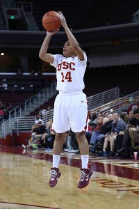 High hopes · Sophomore guard Ariya Crook and the Women of Troy are looking to snap a two-game losing streak as the team returns home. - Chris Pham | Daily Trojan