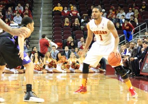 Moving on · Senior guard Jio Fontan, who scored 16 points in the loss at Cal, looks to get the team refocused for Sunday's game against UCLA. - Ricardo Galvez | Daily Trojan