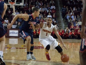 Leading man · Senior point guard Jio Fontan was integral in USC's upset victory over Arizona, scoring 12 points on five-for-11 shooting and dishing out nine assists.  The win was USC's first over a ranked team in over two years. — Ralf Cheung | Daily Trojan