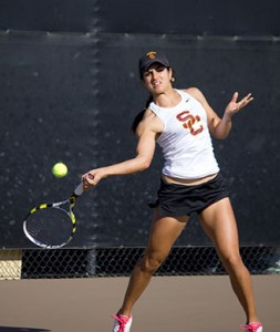 So close · USC sophomore Zoë Scandalis fell to UNC's Whitney Kay in a hard-fought quarterfinals match at the ITA National Indoors. - Joseph Chen | Daily Trojan