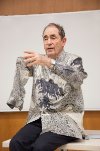 Dignified · Justice Albert Louis Sachs of South Africa spoke to students Thursday about the importance of non-violence in a democratic society.  - Ralf Cheung | Daily Trojan
