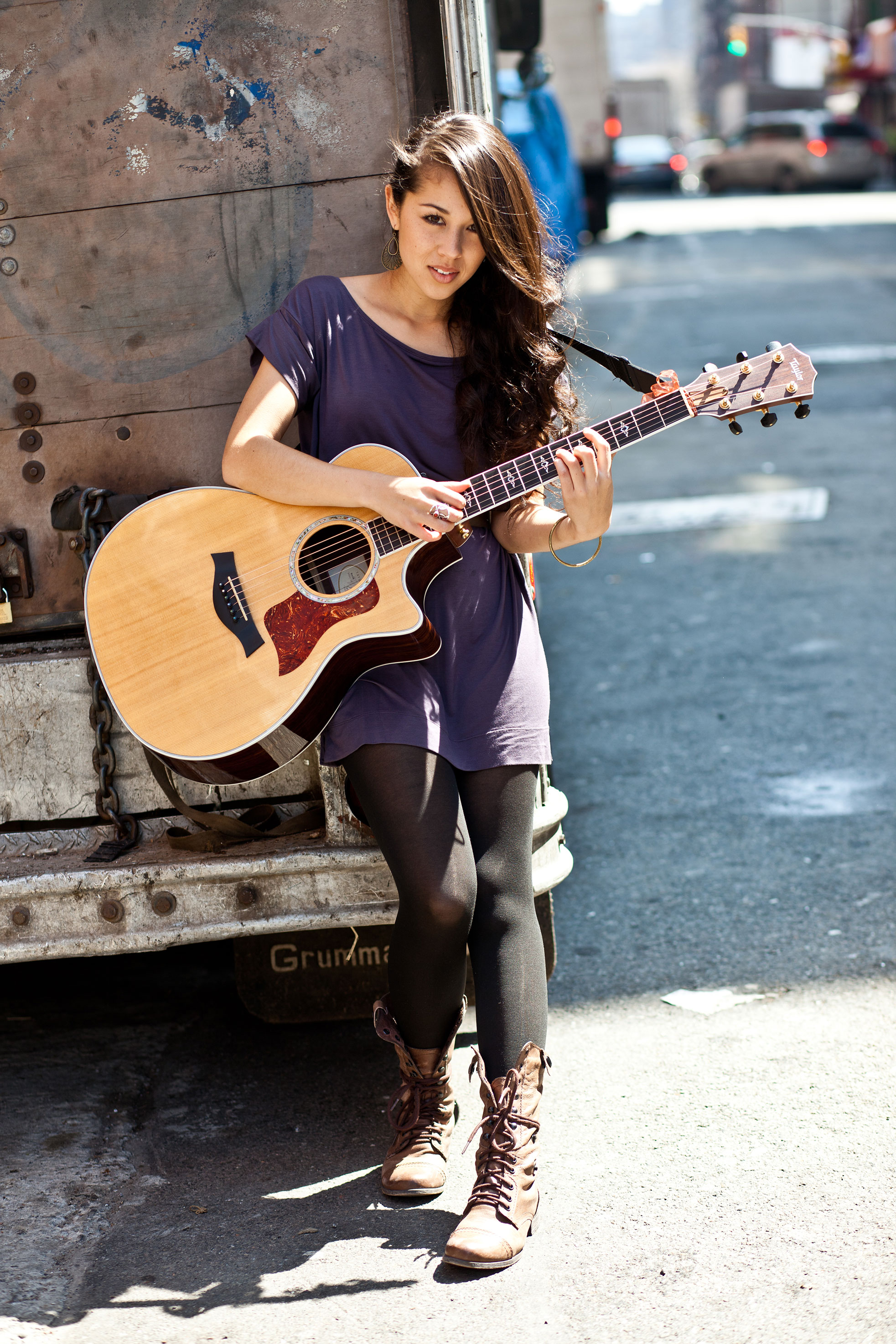 Singer, alumna embraces her multicultural roots | Daily Trojan