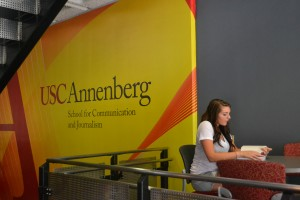 Learning styles · Sophomore public relations major Jessica Dillion prepares for class at the Annenberg School of Communication and Journalism. - Jasmine Rolle | Daily Trojan