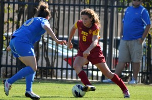 Off on the right foot · USC senior forward Elizabeth Eddy got off to a sizzling start over the weekend, netting three goals in the team's first two games of the 2013 season. Eddy scored just one goal all of last year. - Daily Trojan file photo