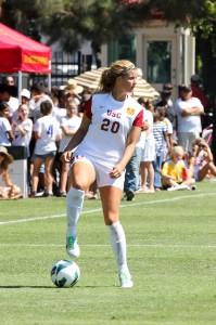 Fast break · USC sophomore midfielder Megan Borman scored the Women of Troy's lone goal against Cal State Fullerton in the first minute. - Nick Entin | Daily Trojan