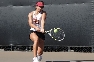 Fast start · Junior Zoë Scandalis (pictured) and Giuliana Olmos were ranked No. 54 in the nation as doubles teammates before this weekend, but the pair advanced all the way to the finals of the Aztec Invitational. - Ralf Cheung | Daily Trojan
