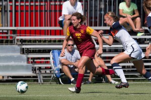 Doing it all · Elizabeth Eddy scored 16 goals over four seasons for the USC women's soccer team at forward and midfielder. Eddy also started nine times for the Women of Troy's lacrosse team last year. - Ralf Cheung | Daily Trojan