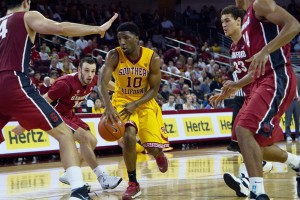 Bottom of the pile · Senior guard Pe'Shon Howard and the USC men's basketball team have fallen to last place in the Pac-12 conference. Howard has averaged 10.3 points per game for the Trojans in his first year with the team. - Tucker McWhirter | Daily Trojan