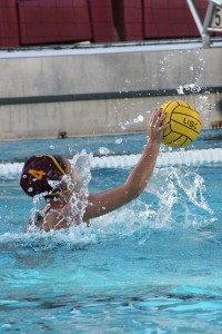Punch it in · Senior driver Kelly Mendoza put up two goals for USC on Saturday. The transfer from Cal now has nine goals on the season. - Daily Trojan File Photo