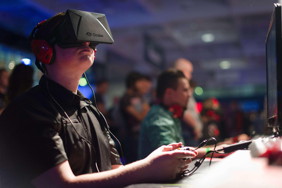 Facebook invests in virtual reality with Oculus Rift | Daily