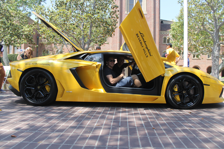 Usc Auto Club Holds First Auto Show Daily Trojan