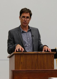In character · Actor Eric McCormack, of the television show Perception, spoke about his experiences portraying a doctor with a mental illness. - Jessica Magana | Daily Trojan