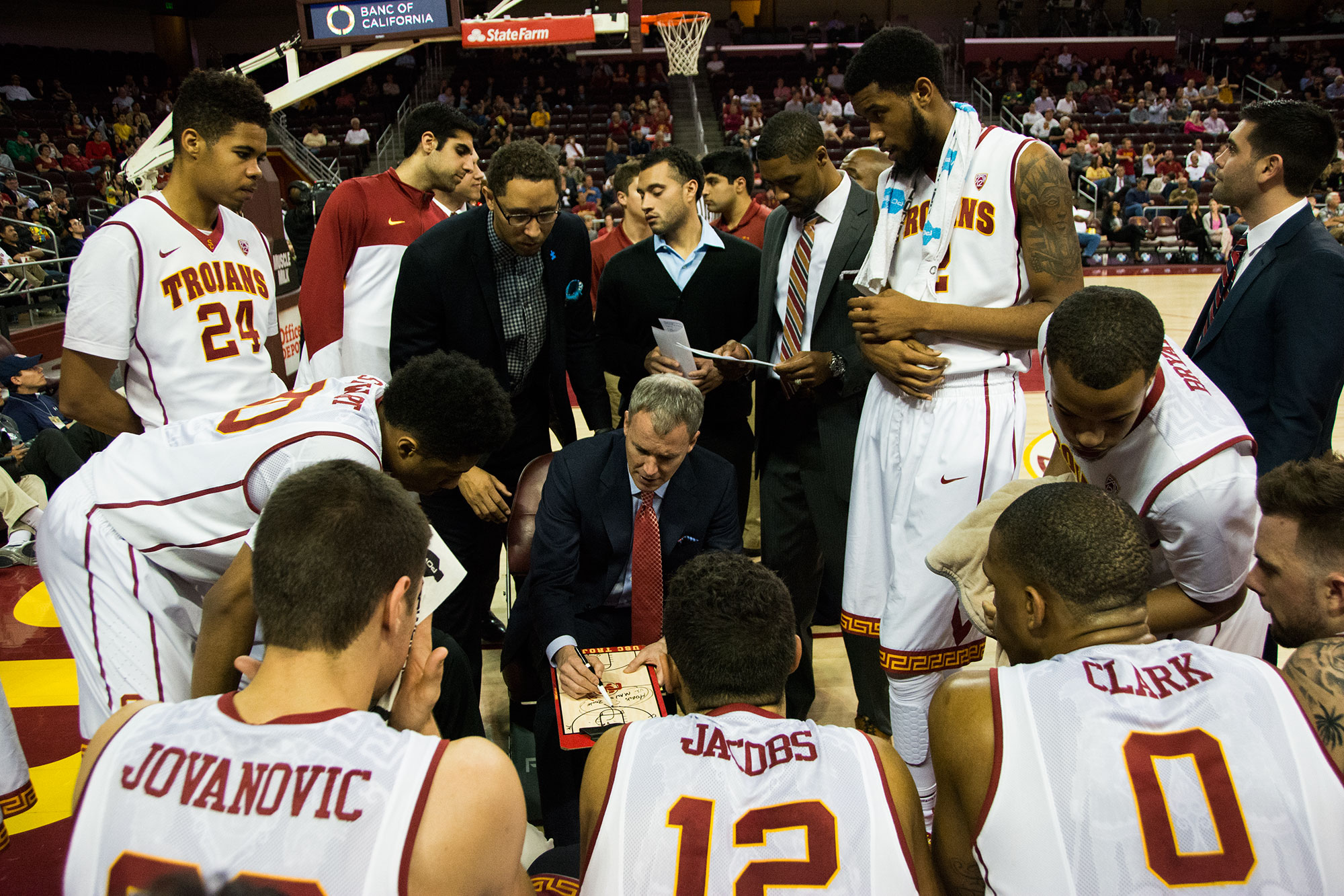 finest selection 9658c b82c5 In Photos: USC men's basketball falls to Oregon Ducks ...