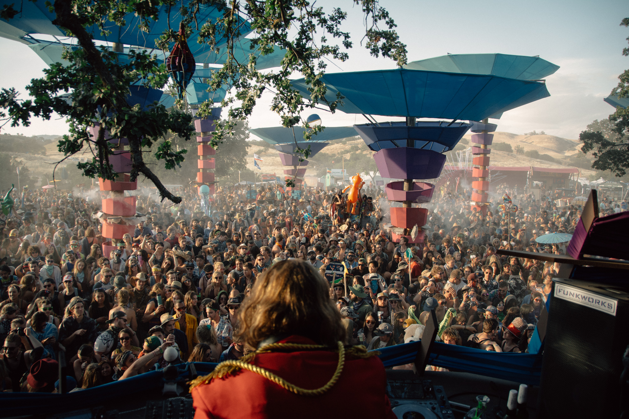 Thomas Jack at the Woogie Stage at Lightning in a Bottle, 2015. Mariya Dondonyan | Daily Trojan