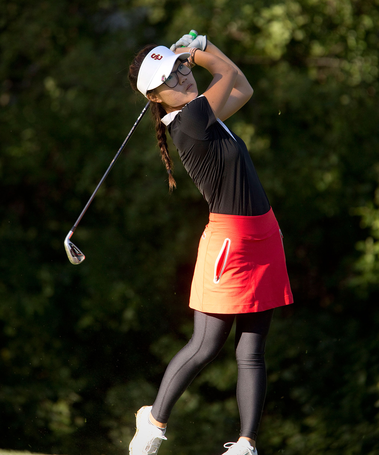 Bye bye birdie · Junior Karen Chung won the individual title at the Annika Intercollegiate in Orlando, Florida, on Tuesday. The Women of Troy also captured a first place finish with a school-best 35-under. - Courtesy of Sports Information