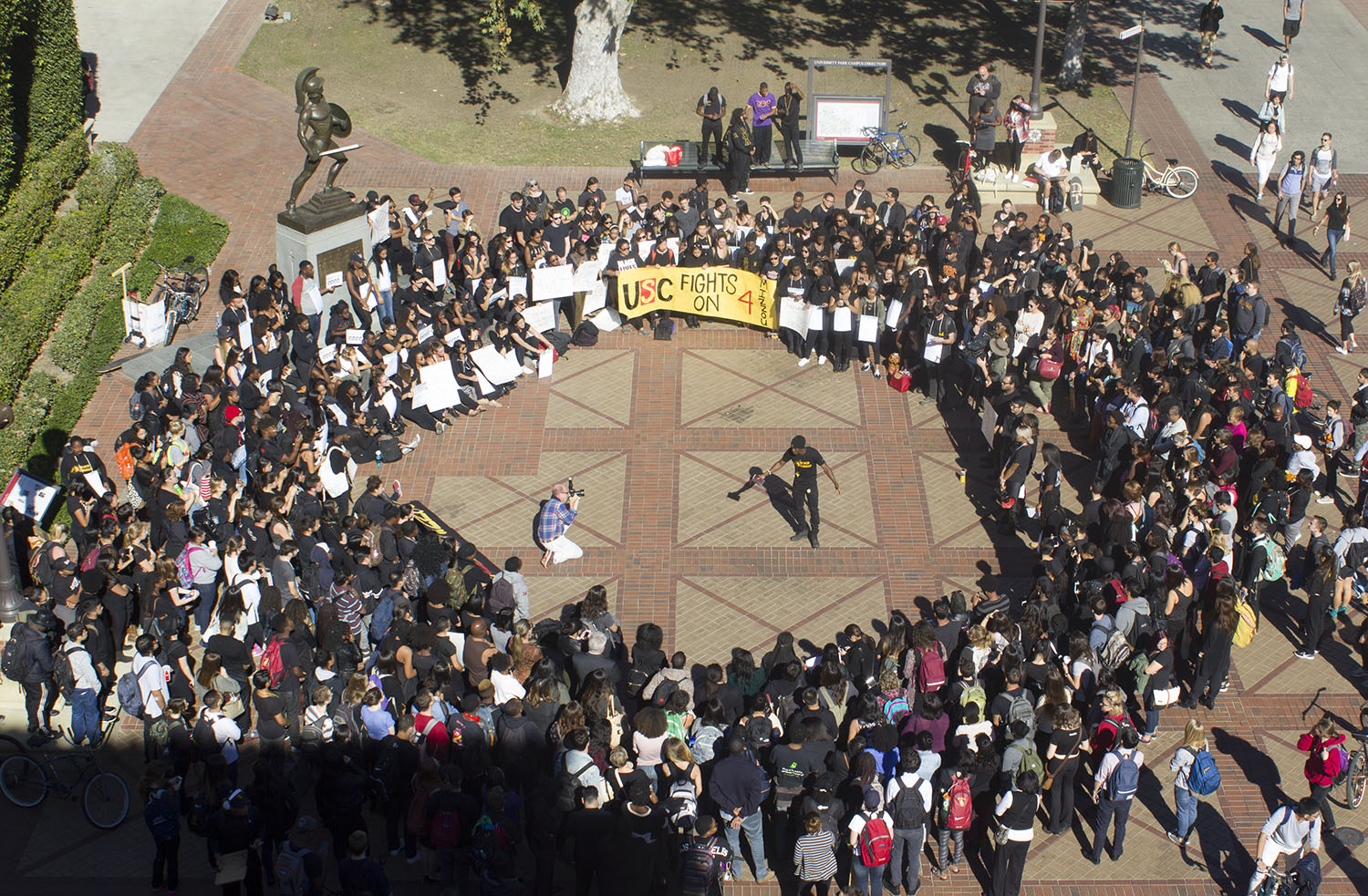 Unified · The Black Student Assembly hosts a rally in Hahn Plaza to stand in solidarity with the students at the University of Missouri Thursday afternoon. At the event, students shared their concerns on USC's campus climate. - Sebastian Vega | Daily Trojan