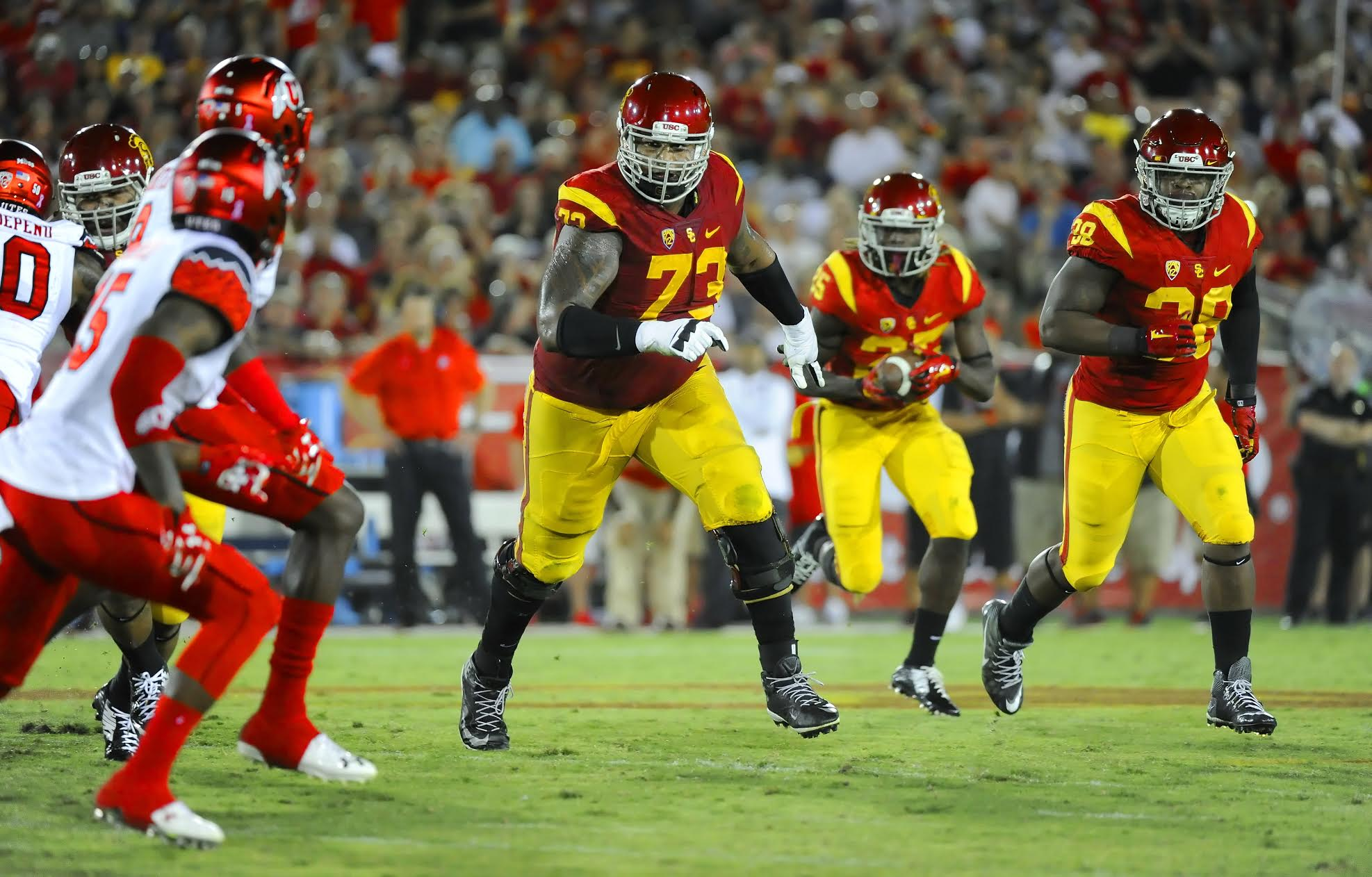 October 24, 2015: Zach Banner #73  of the USC Trojans in action during a 42-24 victory over the Utah Utes at the Los Angeles Memorial Coliseum in Los Angeles,CA. John Pyle/CSM