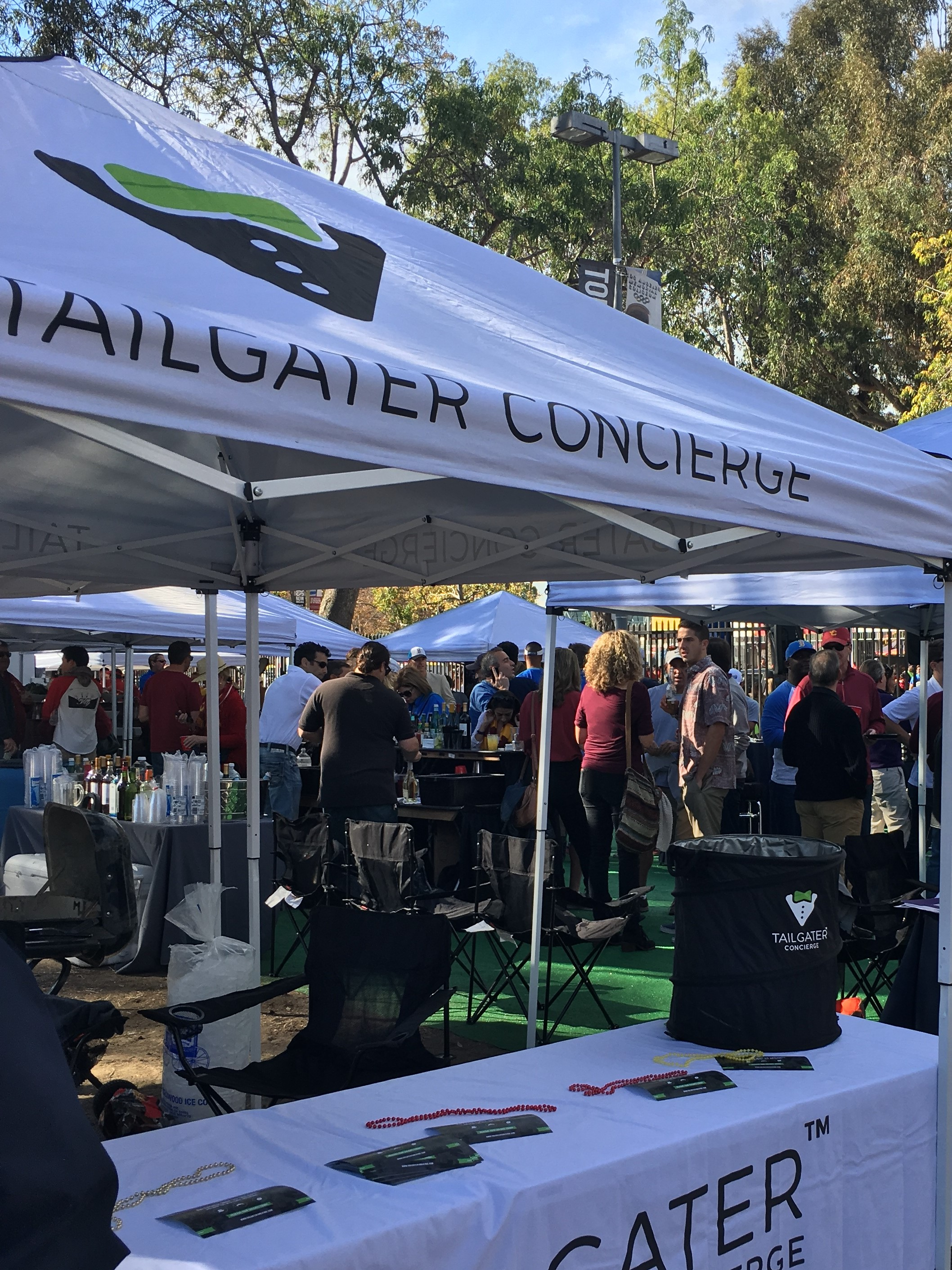 Photo courtesy of Jennifer LaGrow Set up to turn up · Tailgater Concierge a business & USC alumna helps football fans with tailgating service | Daily Trojan