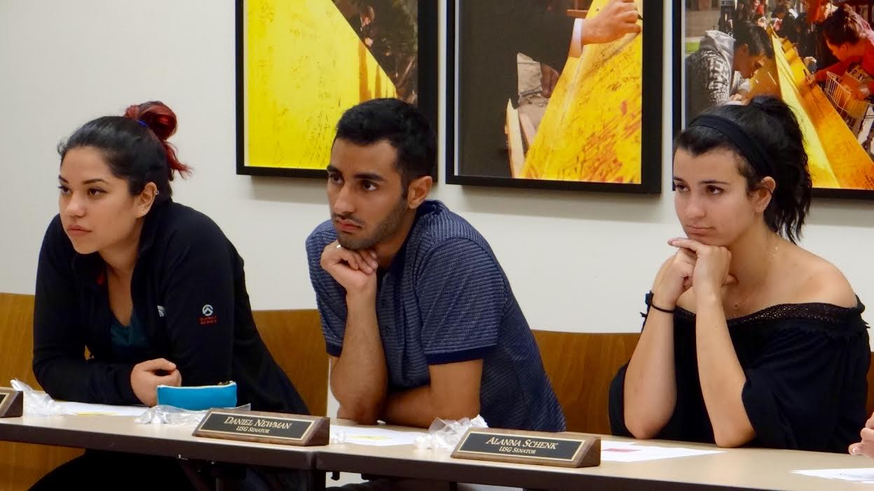 Martina Erdstein | Daily Trojan Smoke break · Sen. Daniel Newman, pictured here at a meeting in August, discussed his resolution to ban smoking on campus Tuesday.