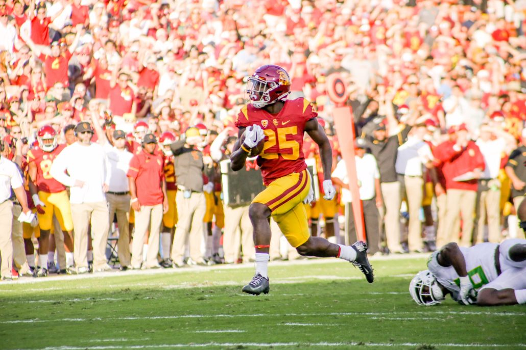 USC avoids scare in season opener with win over Western Michigan