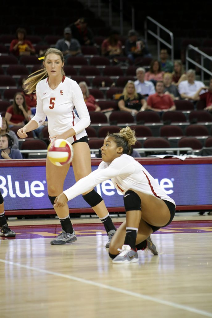 Women's volleyball drops first road match