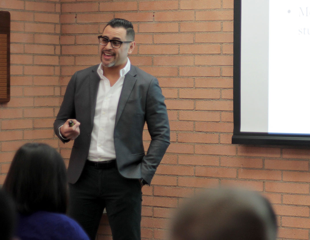 Professor delivers talk on the role of gender in language