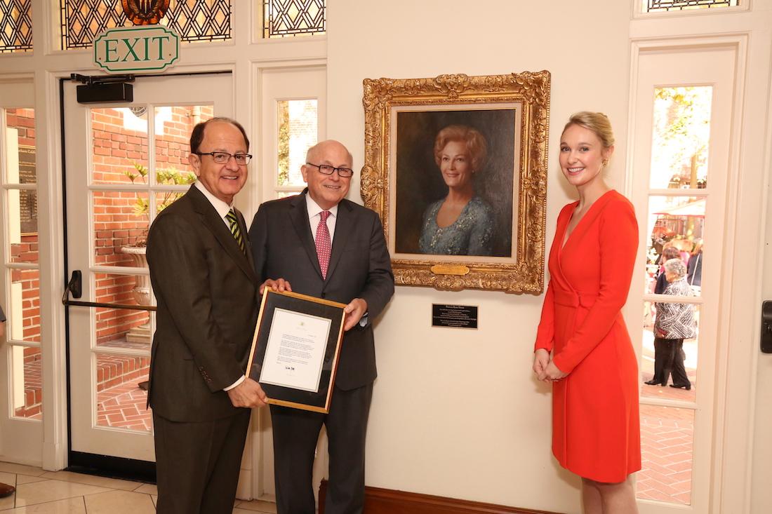 USC adds portrait of first lady Pat Nixon | Daily Trojan
