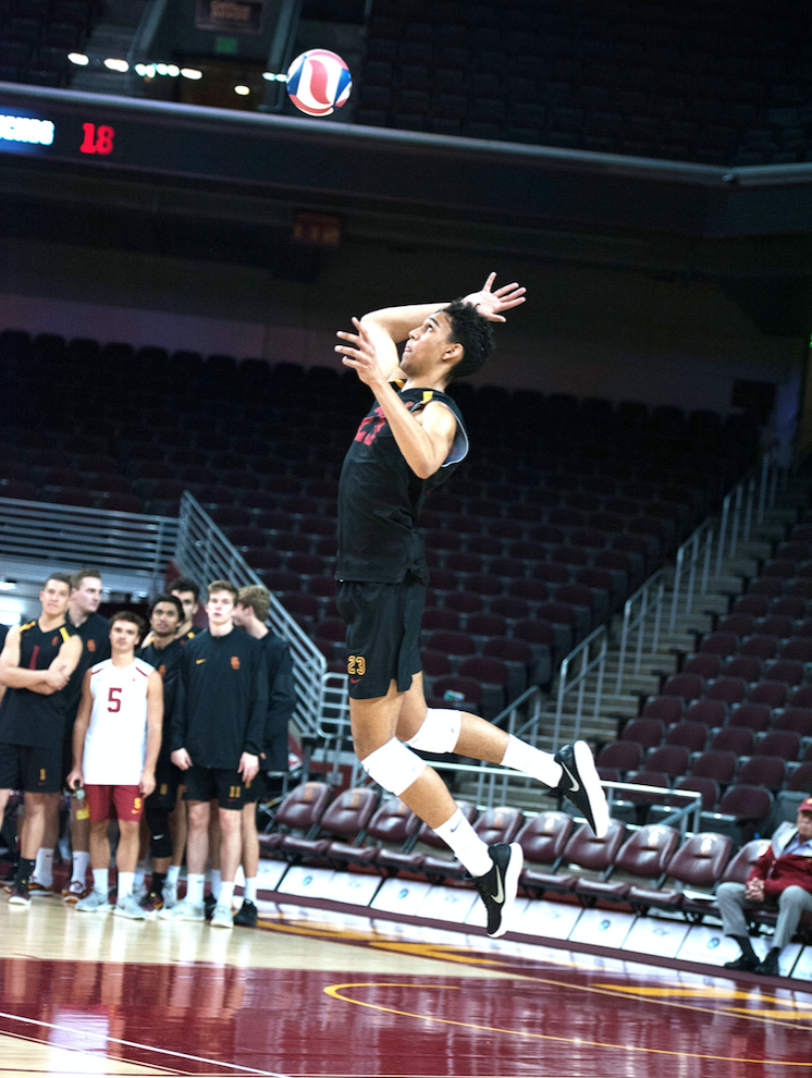 USC men's volleyball ends a frustrating 2018 season ...