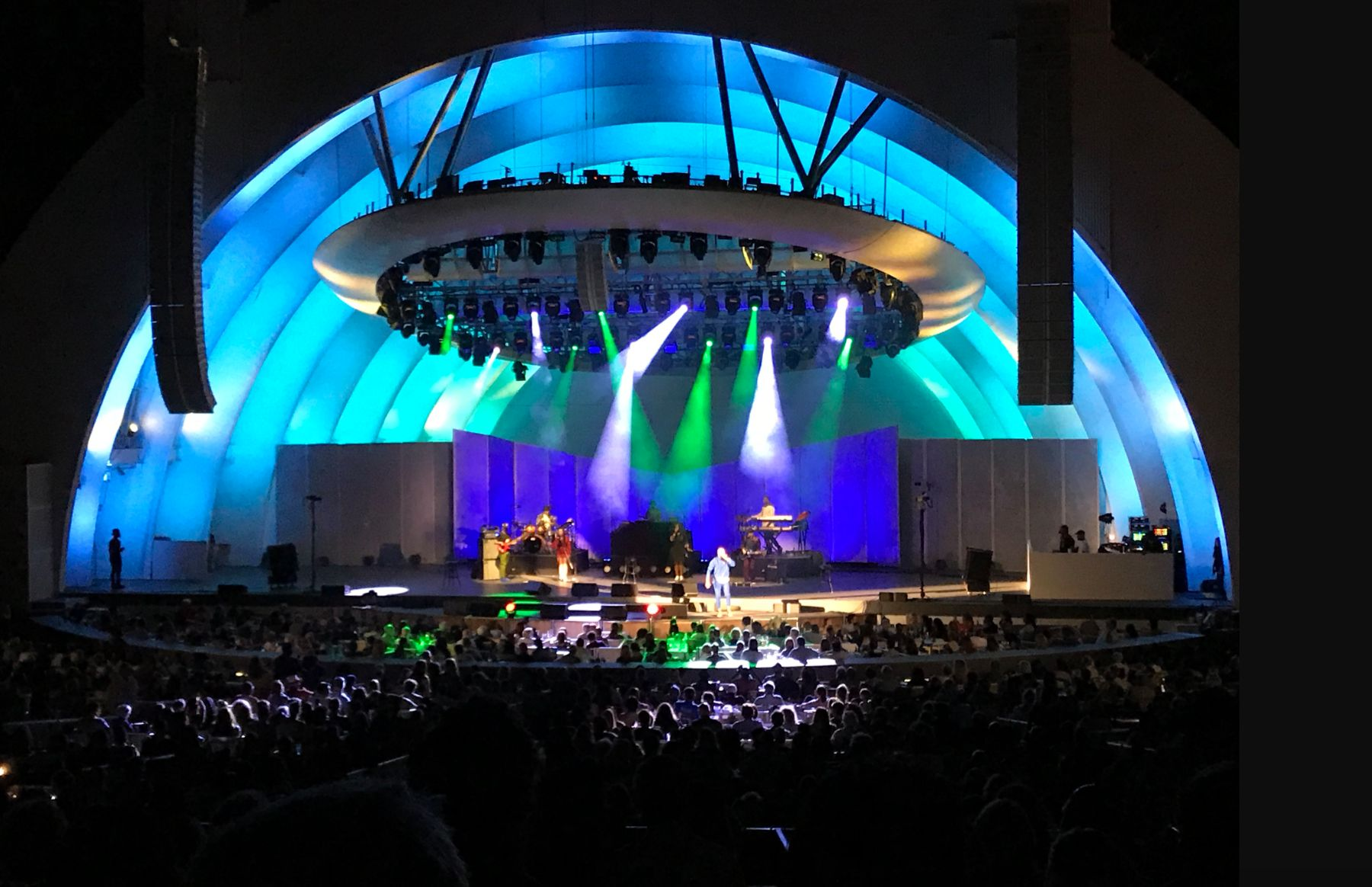 The Hollywood Bowl >> Review Queen Latifah And Common Bring Soul To The Hollywood